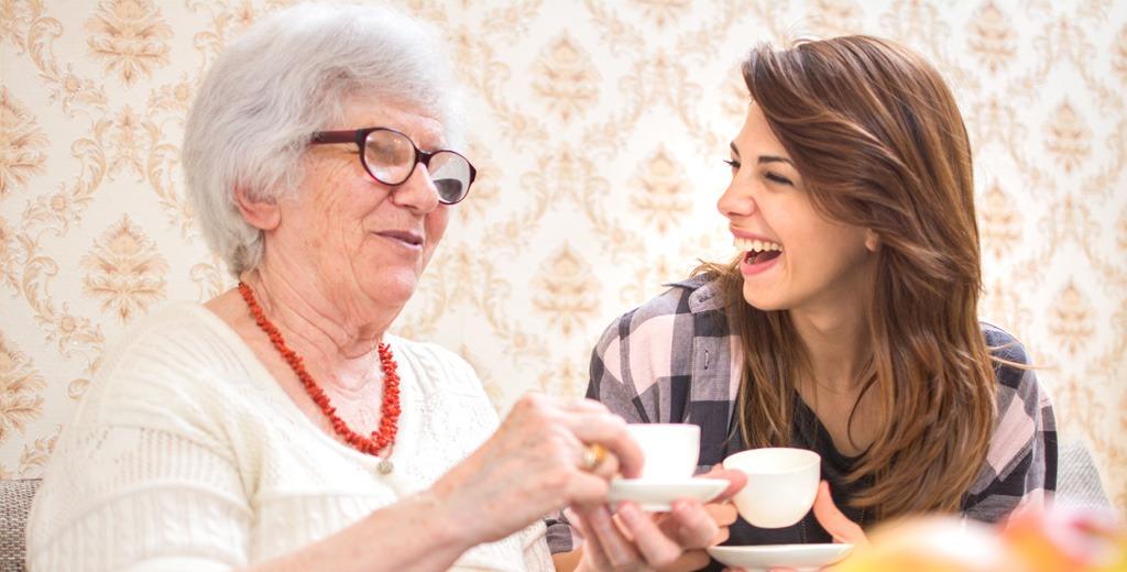 Comment parler des résidences services à un proche âgé ?